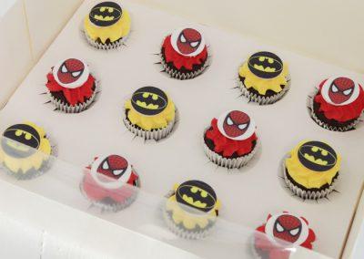 spiderman batman mini cupcakes