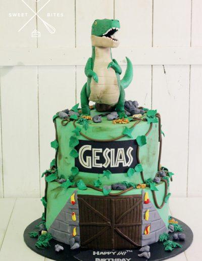 jurassic park dinosaur trex cake