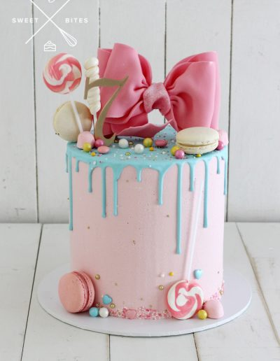 pink bow candy cake