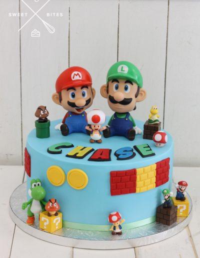super mario luigi cake