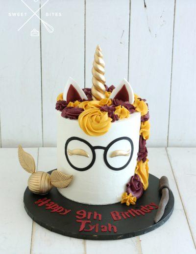 harry potter unicorn gryffindor cake