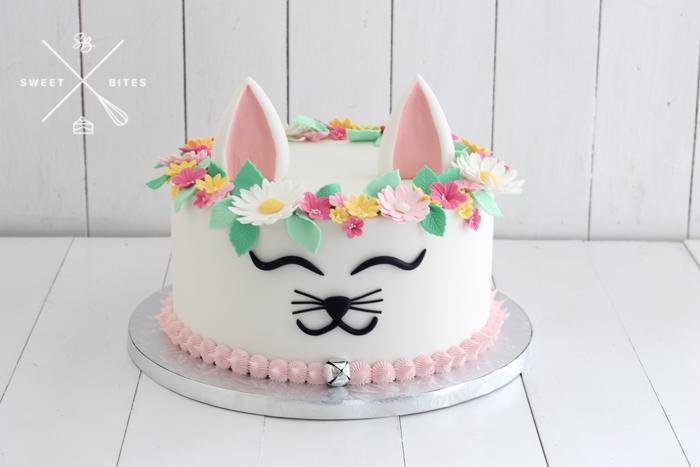 cute floral cate cake