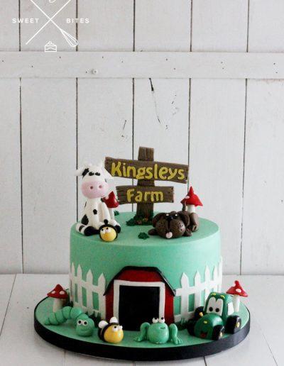 farm barn tractor animals cake
