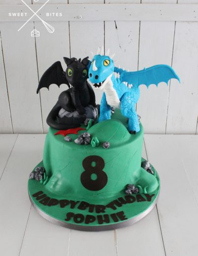 how to train your dragon cake toothless