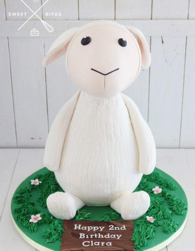3d lamb sheep ewe cake