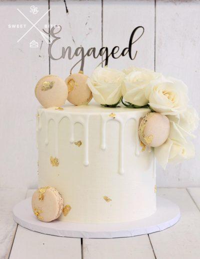 engagement white gold roses cake