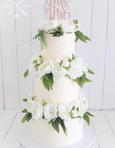 white wedding cake flower blocking classic 3 tier