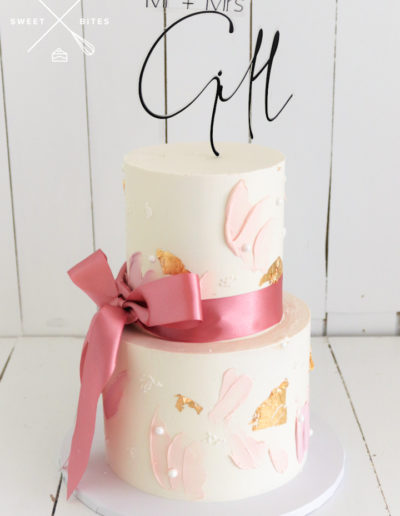 cute bow wedding cake texture pink