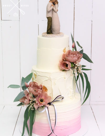 mixed texture wedding cake modern boho rustic different pink ombre