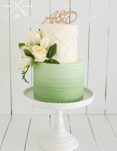 green texture wedding cake stand ombre
