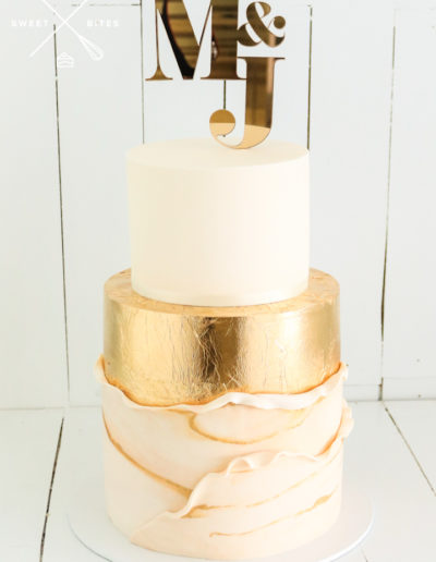 marble veining gold ivory fondant wrap wedding cake