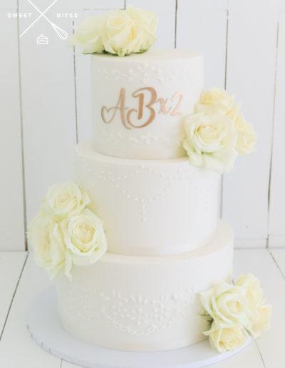 handpiped design wedding cake 3 tier tear drop piping