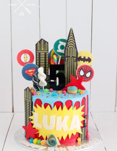 superhero avengers buildings cake marvel DC