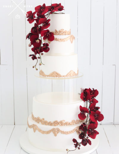 plinth seperator gold white wedding cake 5 tier red orchid