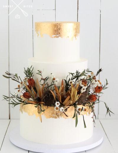 dried flowers gold foil leaf wedding cake